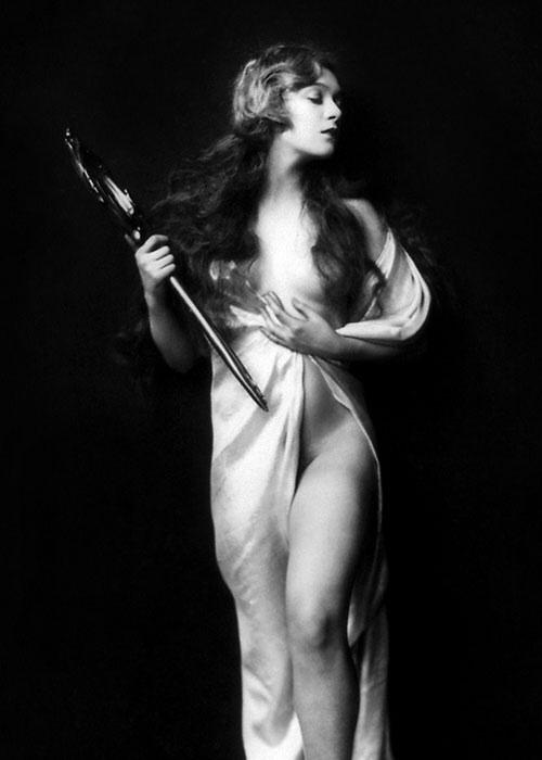 Johnston Bergman of the Ziegfeld Follies